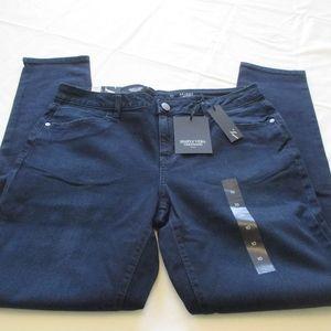 NWT - VERA WANG Skinny jeans - sz 10 - MSRP $50.00
